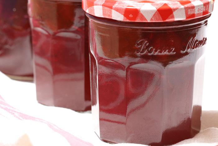 Cherry jam confiture cerise