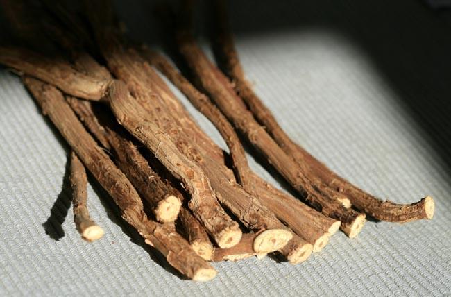 Licorice bois-doux régalisse alcaçuz reglisse