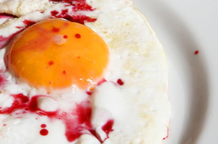 Fried egg murder oeuf à l'assassin
