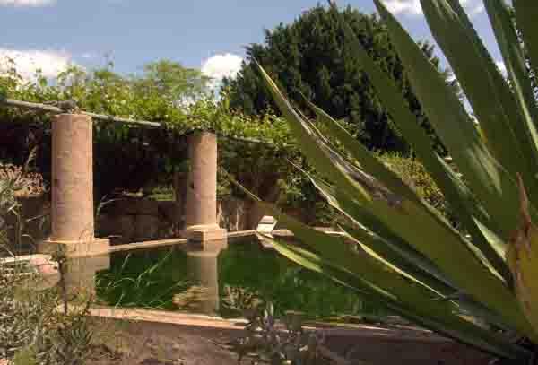 Roman garden Jardin romain Moncarapacho