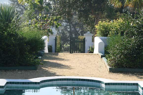 Blue garden door porte du jardin bleu 2009 12