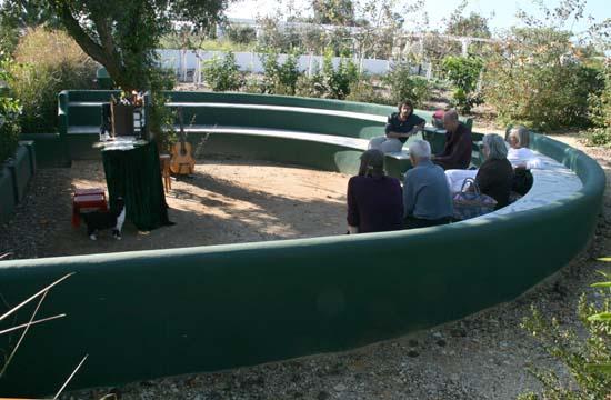 LOF jardim theatre garden