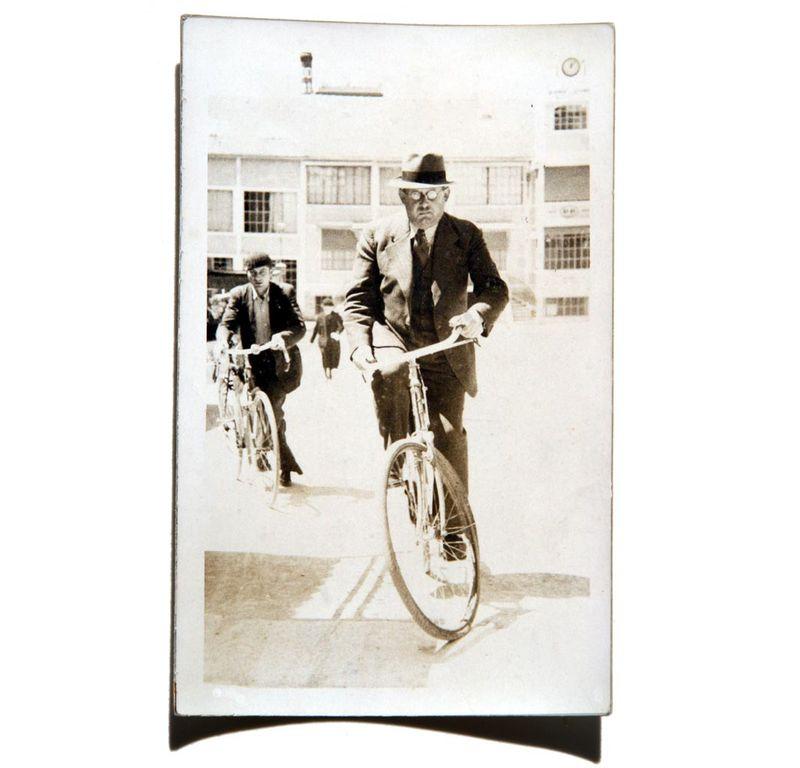 16 juin 1936 sortie usine DD 12 heures 06 Lucien Brigand