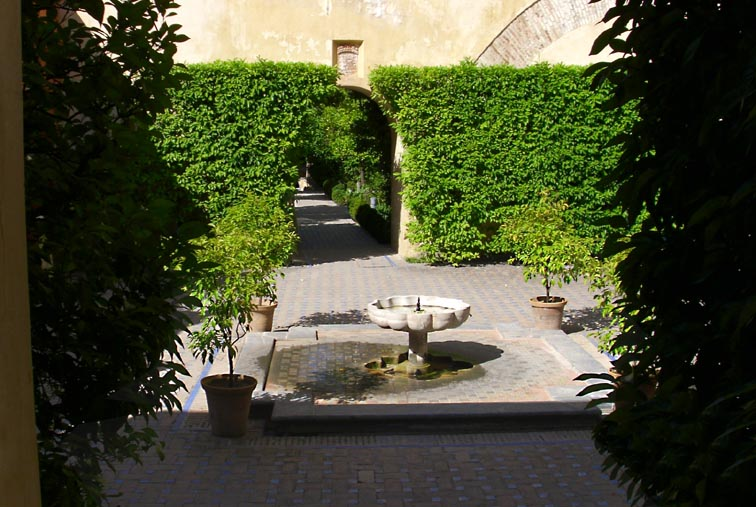 Seville jardins clos alignés
