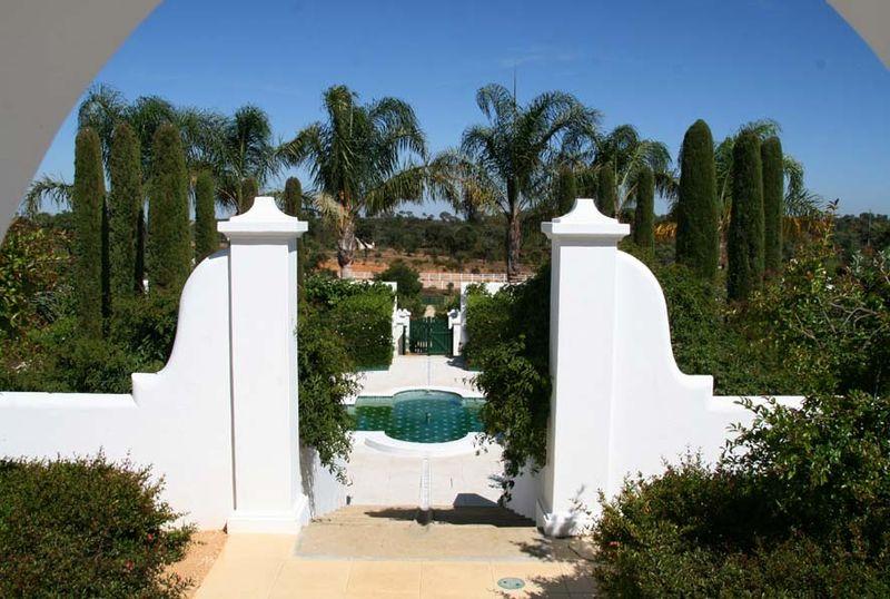 Weißen Garten Ansicht von Westen