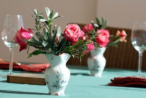Bouquet_roses_table