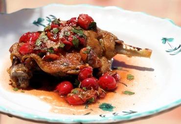 Duck_cherry_vinegar_sauce_canard_au