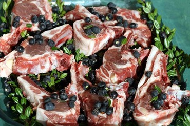 Lamb_chops_with_myrtle_ctelette_au_
