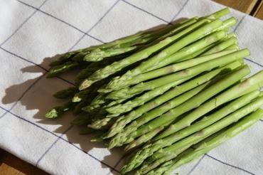 Mini_asparagus_asperges