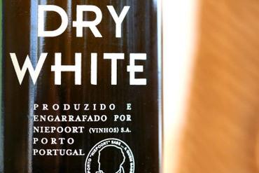 Niepoort_dry_white_porto_blanc_2