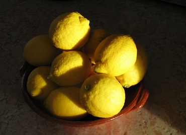 Light_and_shadow_on_lemons_citron_faon_l