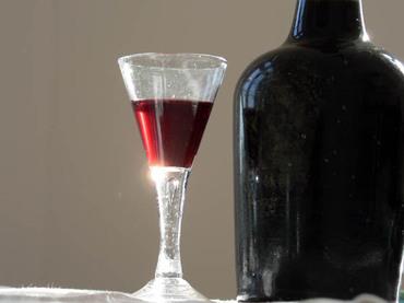 Rose_petal_wine