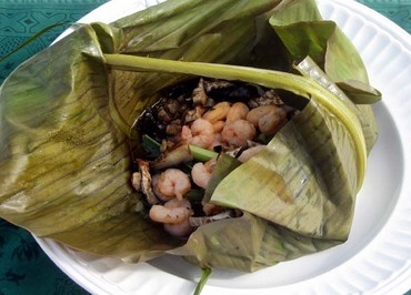 Shrimps_in_banana_leaf_crevettes_ross_de