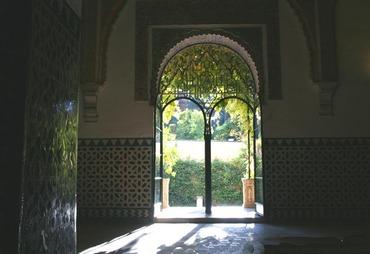 Palaco_mudejar_to_jardin_de_la_gale