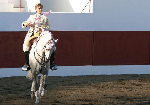 Ana Batista tourada Garvao 28 08  2010