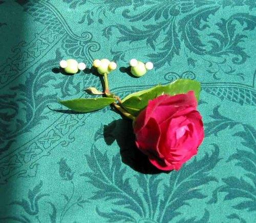 Dans_sa_bouche_une_rose