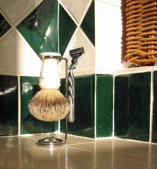 Handled_shaving_brushes
